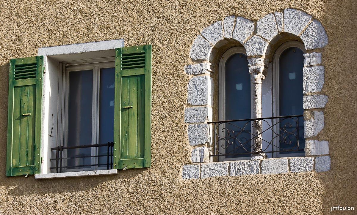 Sisteron un autre regard couleur for Ferme la fenetre